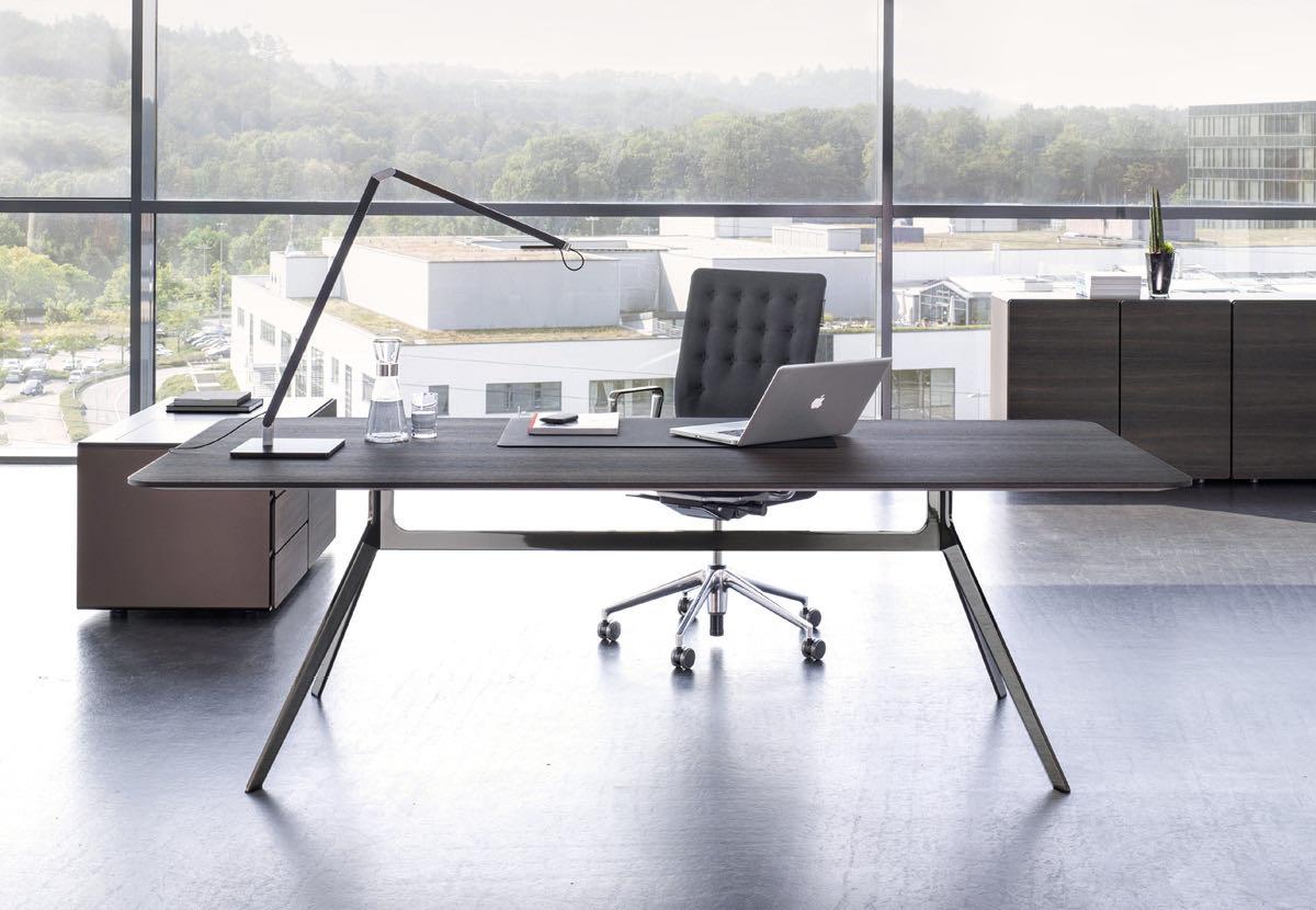 buero blaha office management star ausblick schreibtisch sessel lampe aufbewahrung