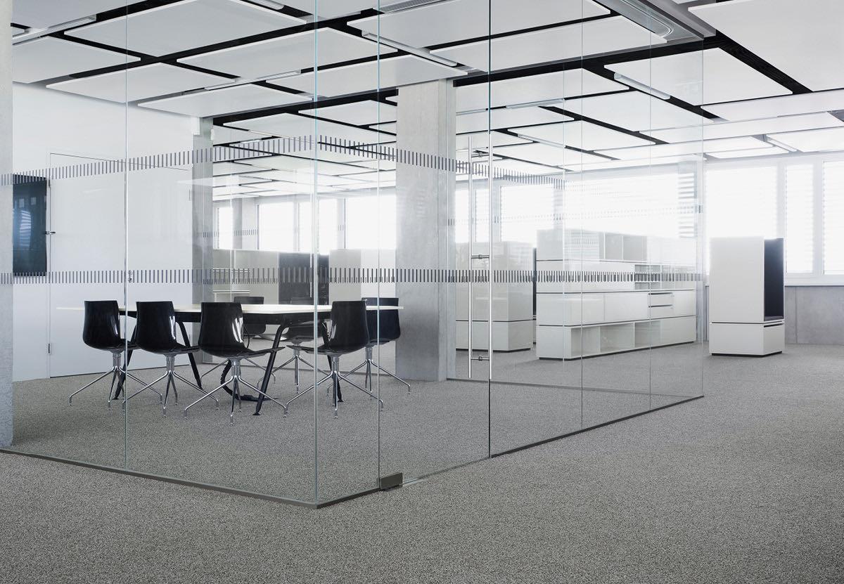 croma pharma referenzprojekt trennwand glas konferenzraum blaha buero office slider 11