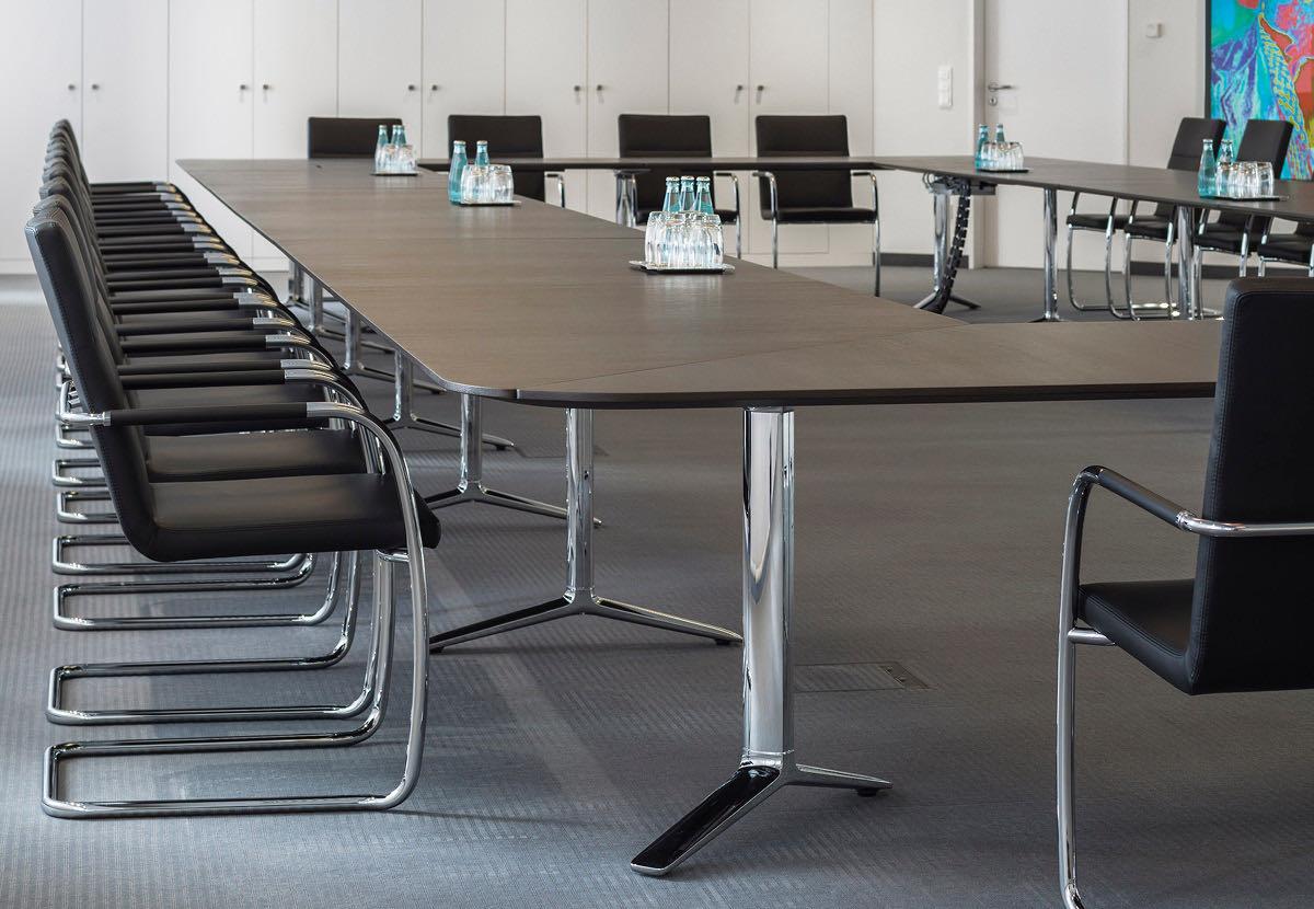 konferenzmoebel konferenz tisch besprechung meeting sessel buero office blaha