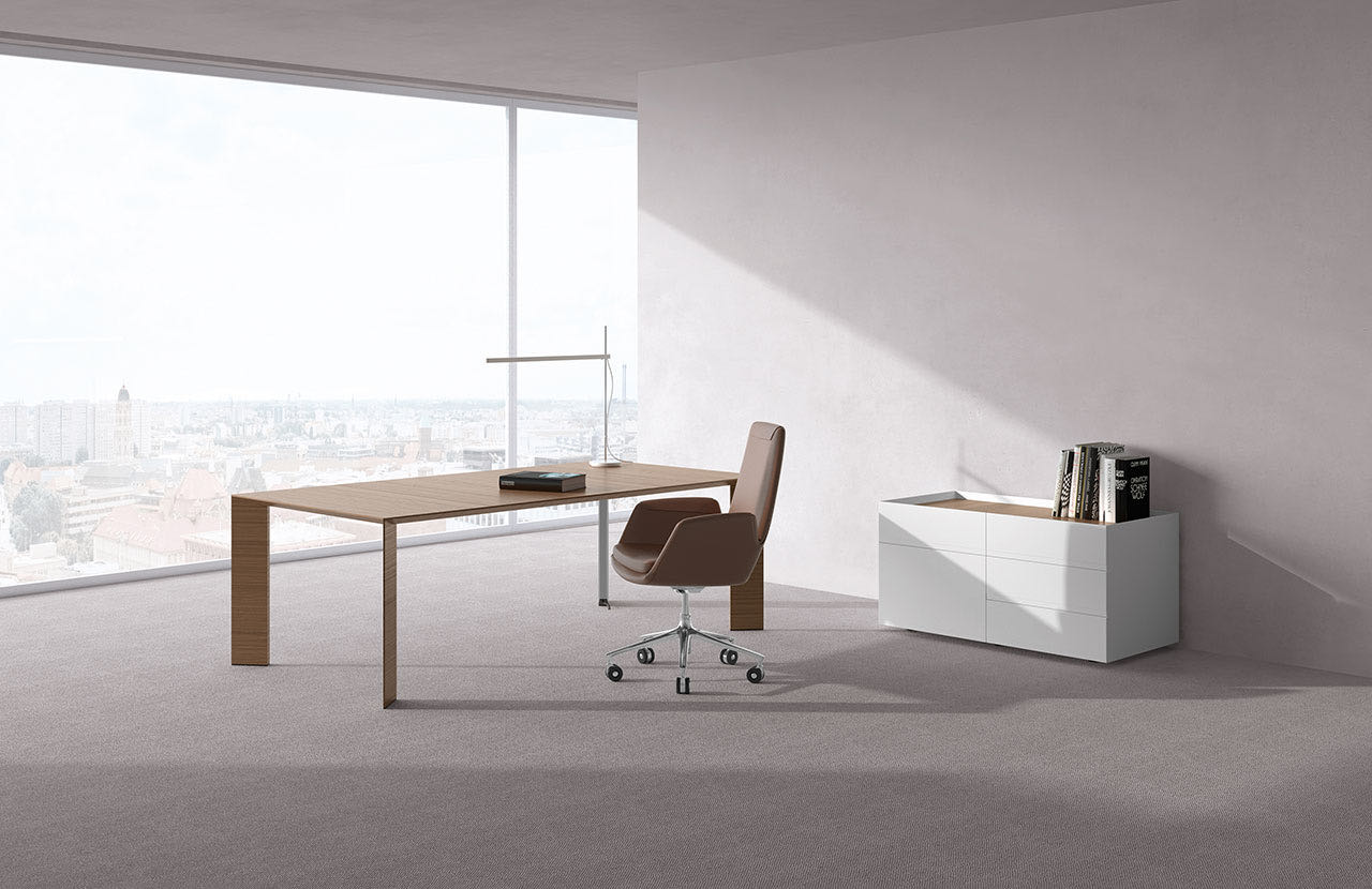 paper blaha buero office tisch elegant schreibtischsessel ausblick